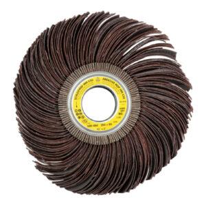 Brusni kolut z vzdolžno zarezanimi lamelami, za profilirane površine. Uporaben na lesu in kovinah.
